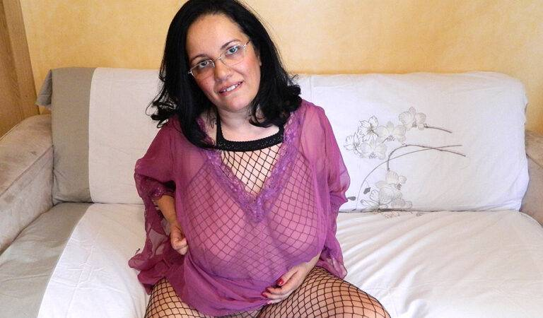 Big breasted housewife playing with herself