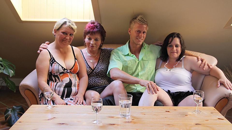 Maturenl videos from Mature.nl